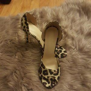 Womens open toe cheeta print heels